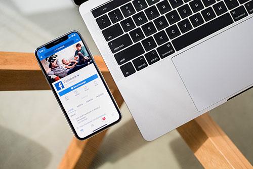 El uso de los medios sociales puede impactar tu caso de daños y perjuicios